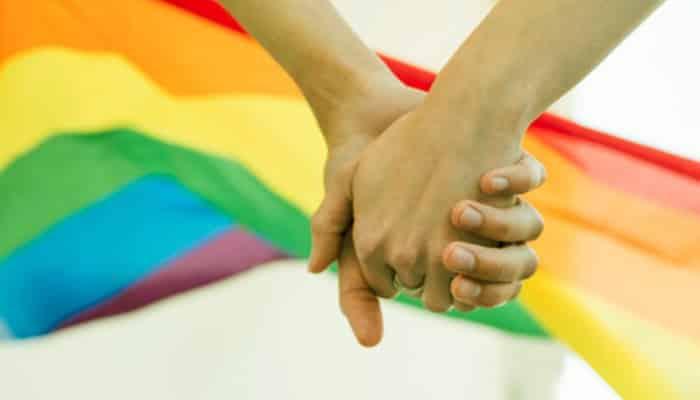 Come posso dire alla mia famiglia e ai miei amici che sono gay?